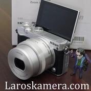 Kamera Mirrorless Nikon 1 J5 (Wi-Fi + TouchScreen + Bisa Untuk Selfie)