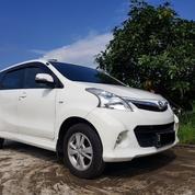 Toyota Avanza Veloz AT 2012 Putih Full Original Siap Luar Kota