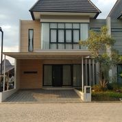Rumah Dengan Kolam Renang The Amaya Ungaran Semarangselatan