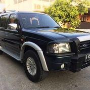 Ford Everest XLT CBU 4X2 AT Tangan 1 Dari Baru Pribadi Full Orisinil