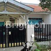 Rumah Lama Terawat Di Tenggilis Dkt Nginden, Semolowaru, Universitas