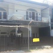 Rumah 2 Lantai Manyar Kertoadi Kondisi Terawat Siap Huni