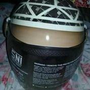 Helm Motif Peci.