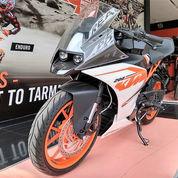 Promo Obral Cuci Gudang Motor KTM RC 200 - Dealer Resmi Eks KTM ( Kondisi Unit Baru )