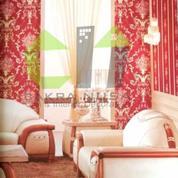 Royal Style Dengan Wallpaper Dinding