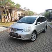 Nissan Grand Livina XV Automatic Th 2012