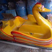 Sepeda Air Fiberglass Bebek Kuning