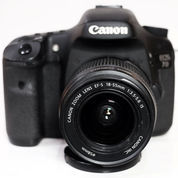 Canon EOS 7D Plus Lensa 18-55mm F.3.5-5.6 Mantap