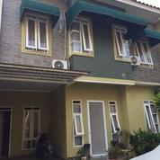 Rumah 2 Lantai Unit Pojok Di Mahakam Residence Ciganjur Jagakarsa Jaksel