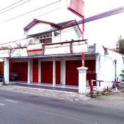 Toko Pinggir Jalan Utara Pasar Condong Catur
