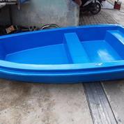 Perahu Fiberglass Biru