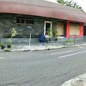 Bangunan Komersil Pinggir Jalan Prawirotaman Kampung Wisatawan