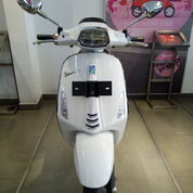 New Vespa Sprint LED 150 I Get ABS (WHITE INNOCENZA)