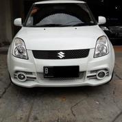 Suzuki Swift ST AT 2011 Putih