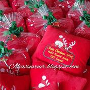 Souvenir Bantal Natal / Christmas Pillow