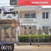 Rumah Janur Kuning Kelapa Gading, Jakarta Utara