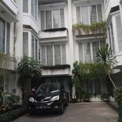 Rumah Dalam Kota 3 Lantai Siap Huni Dicilandak Jakarta Selatan