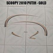 Striping Scoopy 2010 Putih - Gold