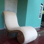 Kursi Sofa Santai Keong Emas