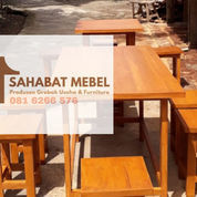 Meja Cafe Bahan Kayu Jati