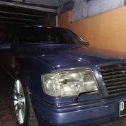 Mercedes Benz 300E At