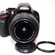 Nikon D5100 Kit AF-S 18-55mm F3.5-5.6 VR Mulus