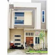Rumah Komplek Grand Cemara Jalan Casablanca Medan