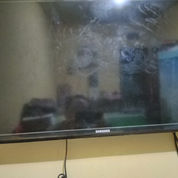 "TV LED SAMSUNG 32"" Series 4"