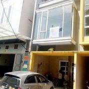 Rumah Komplek Grand Mados (Jalan Madio Santoso) Medan