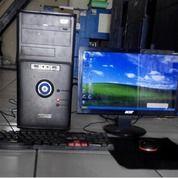 Komputer Lengkap Dengan Mouse Dan Keyboard