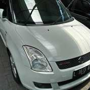 Suzuki Swift 1.5 ST AT 2009 Putih Favoritooo
