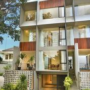 Rumah Di Kemang, Mewah, Rumah Baru 3Lt, Pool, Furnish, Lift, Dlm Townhouse Di Kawasan Kemang Raya