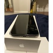 IPhone X Silver 256GB - Second. Masih Mulus, Lengkap Dengan Box Dan Charger. Sudah Tidak Garansi