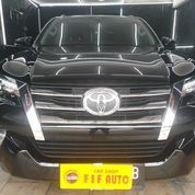 Toyota Fortuner 2.4 VRZ 2018 AT Hitam