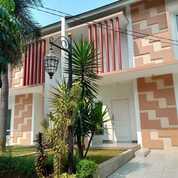 Rumah Baru Cantik Cluster 2 Lantai Dekat Terminal Kampung Rambutan Jakarta Timur