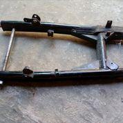 SWING ARM BAJAJ PULSAR 180 / UG 4 / 220 (OUVAL)