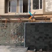 Rumah Modern Mewah New Gresss Manyar Jaya