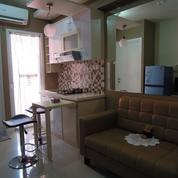 Green Pramuka Tower Mall 2 BR Furnish Per Bln