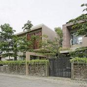 Rumah Mewah Plus Kantor di Tengah Kota Yogyakarta
