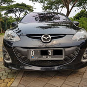 Mazda 2 R AT Hitam 2013