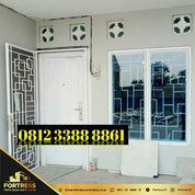0812-3388-8861 (FORTRESS), Pintu Rumah Putih Tahan Banjir,