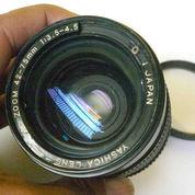 Lensa Manual Yashica 42-75mm f3.5-4,5 (CY)