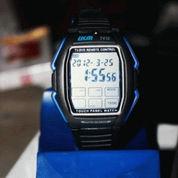 Jam tangan remote TV DVD harga jual jam layar sentuh remote TV 85.000 dengan jam tangan ini bisa jahilin TV orang, misalnya mematikan TV tersebut, gan