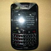 Hape Jadul Blackberry 9650 Essex Seken Mulus Kolektor Item