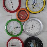 Produksi Jam Dinding Plastik Promosi