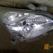 Headlamp Original Toyota Avanza / Daihatsu Xenia Tahun 2012 - 2015 Sebelah Kanan