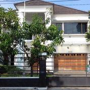 Rumah Mewah Yogyakarta Kota Fasilitas Kolam Renang
