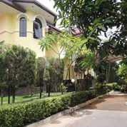 Rumah Mewah Dalam Perumahan Jogja Kodya
