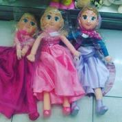 Boneka mainan anak tokoh kartun disney FROZEN princess elsa&anna karet