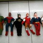 Boneka/miniatur tokoh superhero THE AVENGERS GROUP 6mcm SNI murmer NEW